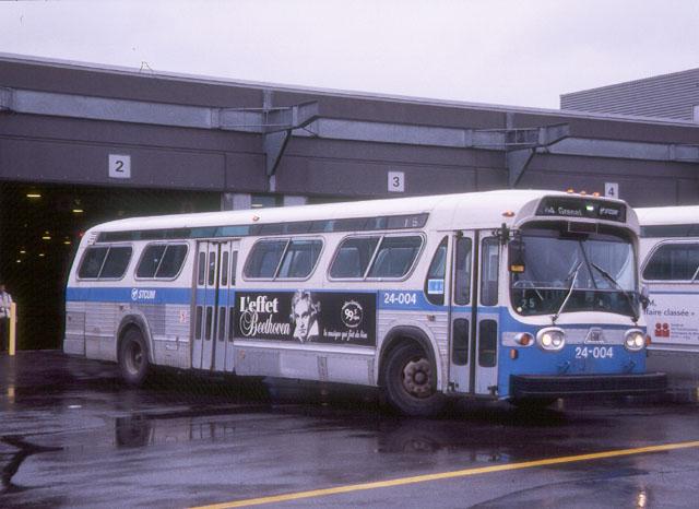 File:SIMILAR TO BPT. CT GRAY LINE BUS without blue stripe.jpg