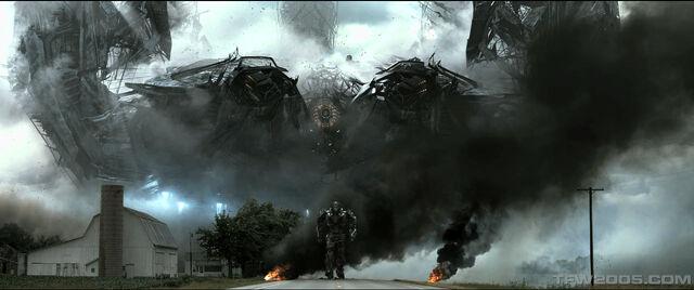 File:Age-of-Extinction-Spaceship.jpg