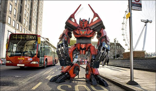 File:RotF Bendy Bus Prime.jpg