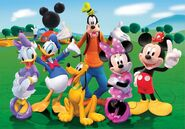 5823-puzzle-mickey-mouse-club-house-100-piezas 1920x1080-1