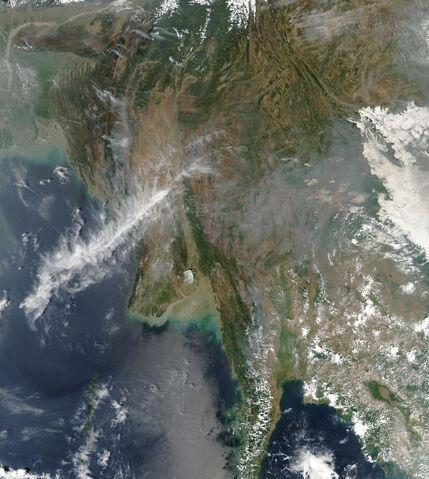 File:India fires AMO 2009068 lrg.jpg