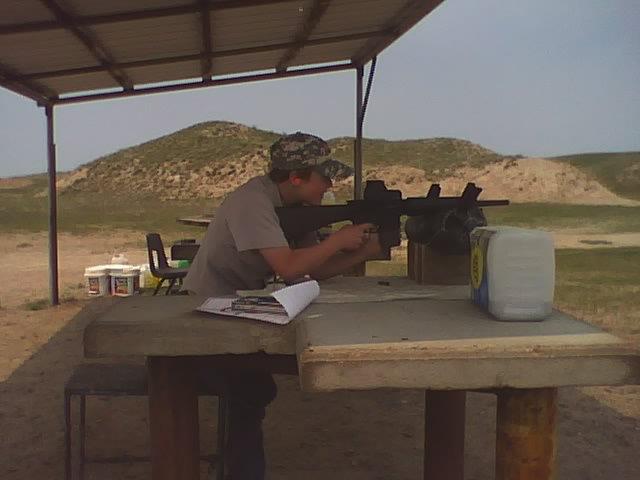 File:Ilif citizen shooting a 308..jpg