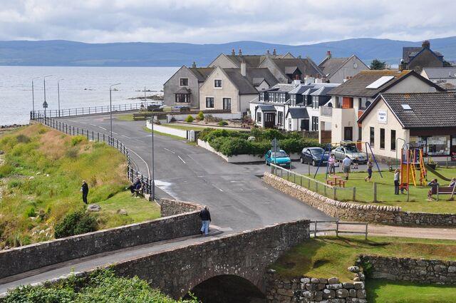 File:Scotland, Isle of Arran, Blackwaterfoot (3).jpg