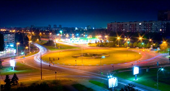 File:Burgas Nightlife 2.jpg