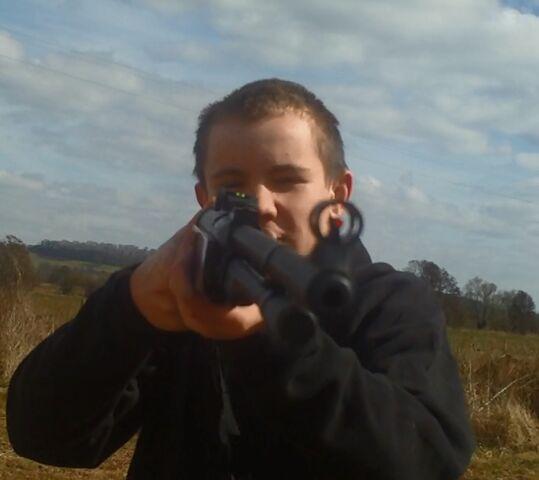 File:Ed Saunders Rifle.jpg