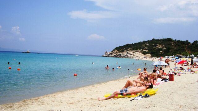 File:Mediterranean Beach.jpg
