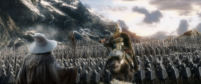 File:The-hobbit-the-battle-of-five-armies-gandalf-and-dwarf-army.jpg
