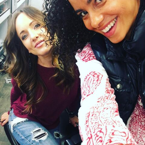 File:BTS Parisa Fitz-Henley and Ashley Moore 2.jpg