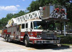 800px-Dsg Gainesville Fire Truck 20050507