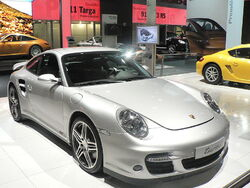 800px-Porsche911 turbo