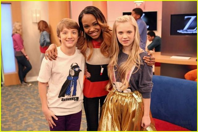 File:640px-China-mcclain-independants-ant-farm-stills-04-3.jpg