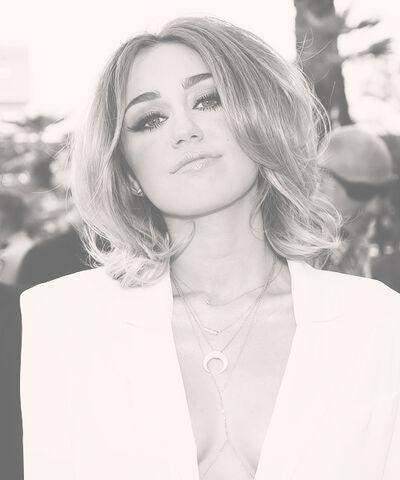 File:Miley Cyrus 8.jpg