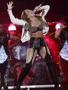 Miley-cyrus-gypsy-heart-tour-fashionhorrors-2