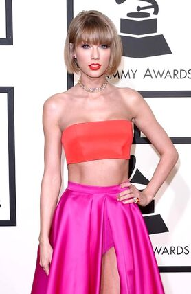 Grammys-2016-taylor-swift-and-selena-gomez-look-incredible 83CGzy2wJ