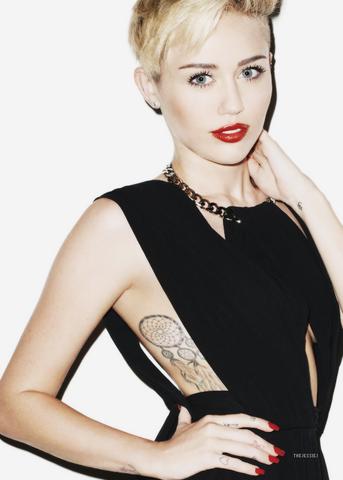 File:Miley Cyrus edit.png