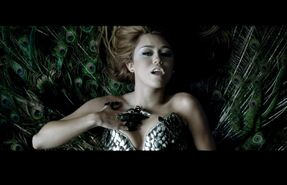 Can-t-Be-Tamed-Music-Video-miley-cyrus-17072936-1152-743