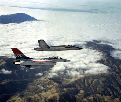 710px-YF-16 and YF-17 in flight