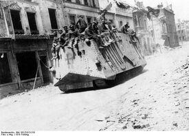 Bundesarchiv Bild 183-P1013-316, Westfront, deutscher Panzer in Roye.jpg