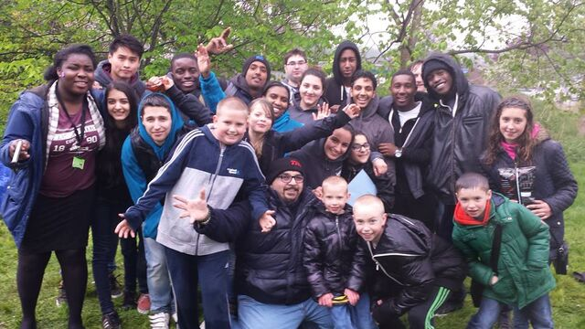 File:The whole Easter Team 2014.jpg