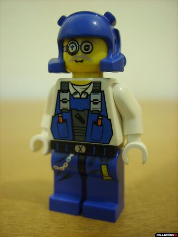 File:Mine Mech- Brains minifig front .jpg