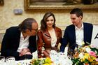 Louis-vuitton-jeff-koons-louvre-dinner-ss19