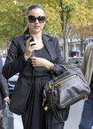 85631 Tikipeter Miranda Kerr is seen arriving at her hotel 001 122 368lo
