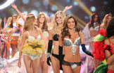 Miranda+Kerr+2012+Victoria+Secret+Fashion+UkNKAMpWvHKl