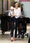 Miranda-kerr-orlando-bloom-flynn-melbourne-airport-03