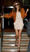Kerr leaving her hotel in Sydney 02.10.09 551 122 397lo