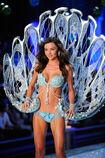 Miranda-Kerr-at-Victoria's-Secret-Fashion-Show-in-New-York-4
