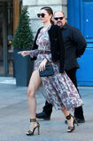 57f536e34acc0 Photos-Miranda-Kerr-s-offre-un-shooting-pour-Vuitton-sur-la-plus-luxueuse-place-de-Paris portrait w674(9).jpg.53e0cde2f980dc5c69d85ce8ff264c08