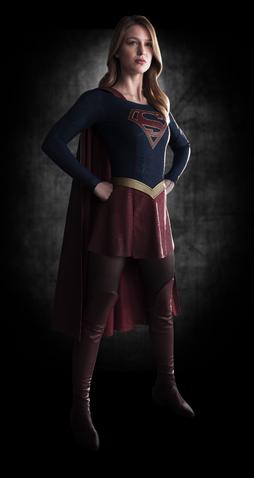 File:Kara Danvers costume promo.png