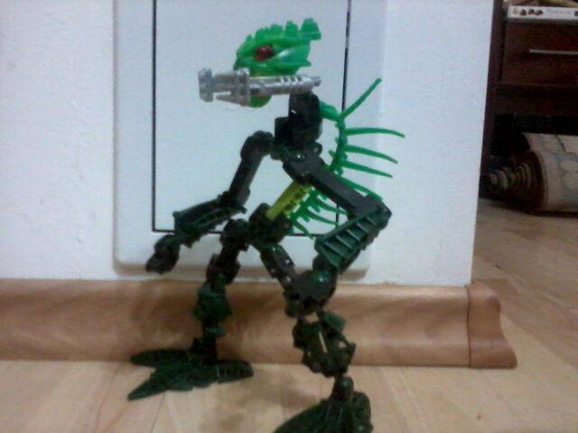 File:Bionicle Reptile.jpg