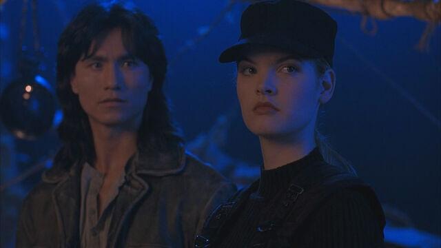 File:Lt. Sonya Blade & Liu Kang.jpg