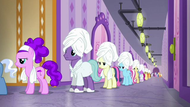 File:Aloe notices long line of ponies S6E10.png