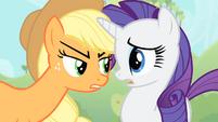 Applejack faces Rarity S4E07