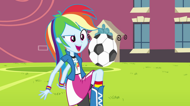 File:Rainbow Dash playing soccer EG.png
