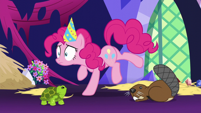 File:Pinkie Pie freezes in place S5E3.png