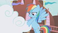 Rainbow Dash handling the cloud S1E05