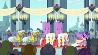 Standard-Bearers and Guards S3E13