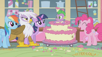 Spike eating the cake S1E5