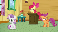 Apple Bloom sees that her friends are staring at their cutie marks S6E4