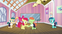 Apple Bloom takes dancing colt's hoof S6E4