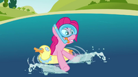 Pinkie Pie 'The water's great' S3E3