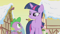 Twilight smiling at Spike S1E11