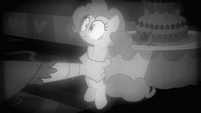 Gustave grabbing Pinkie S2E24