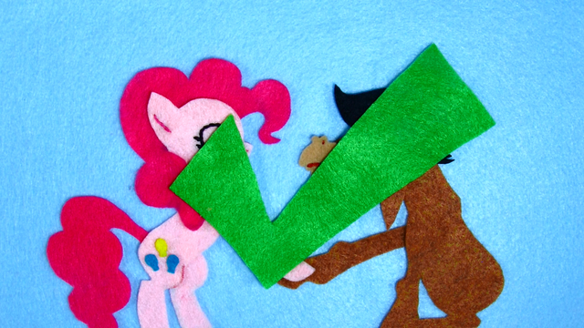 File:Pinkie Pie Introduce Myself Check S2E18.png