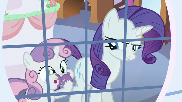 File:Sweetie Belle stuffing her face with cake S6E15.png