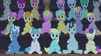 Ponies clapping S4E19