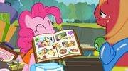 Pinkie with her scrapbook S4E09.png